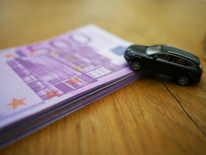 Vad kostar det att försäkra bil